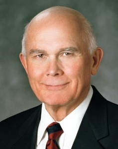 Elder Dallin Oaks calls for unity in protecting religious liberty
