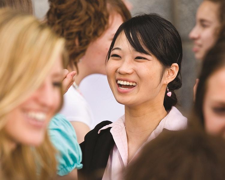 mormon-women-smiling2