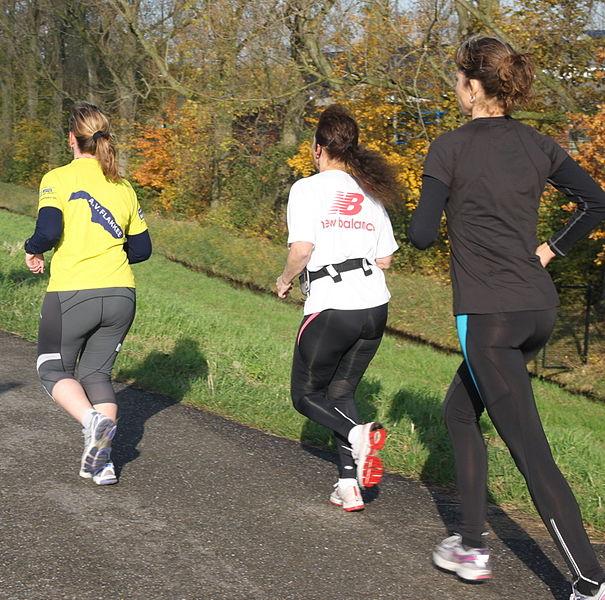 Three_running_women